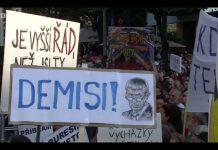 Най-големият протест в Прага след падането на комунизма; Снимка: скрийншот от репортаж на Би Би Си